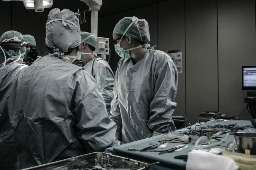 Gesundheitswesen zurück in die öffentliche Hand! Sofort!